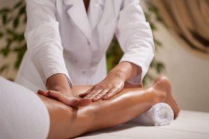 Что такое лимфодренажный массаж и в чем его польза